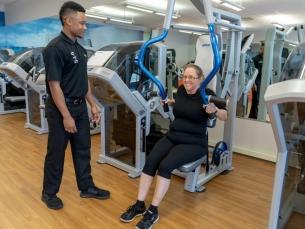 Exercício de força pode auxiliar na prevenção de alguns tipos de câncer